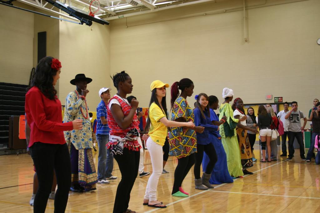 International Club Puts On Culture Fair
