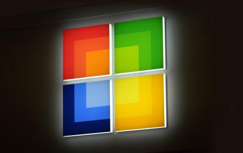 Microsoft Store Opens in Local Mall