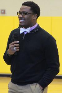 Rashaun Owens signed to play football at Hutchinson.