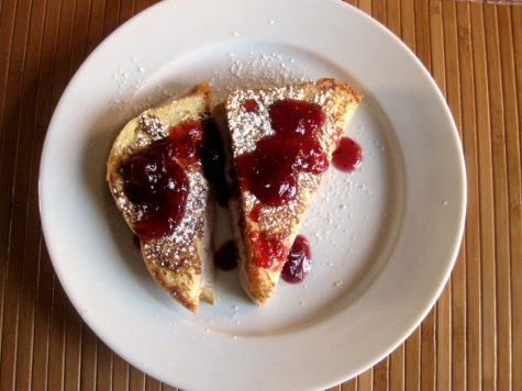 cranberry-sauce-stuffed-french-toast