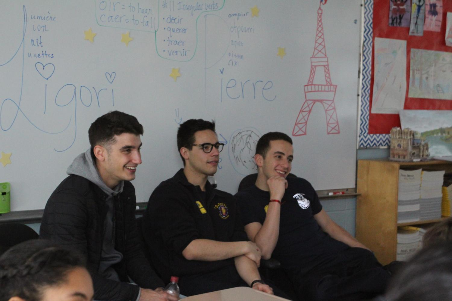The+firefighters+talk+to+French+classes
