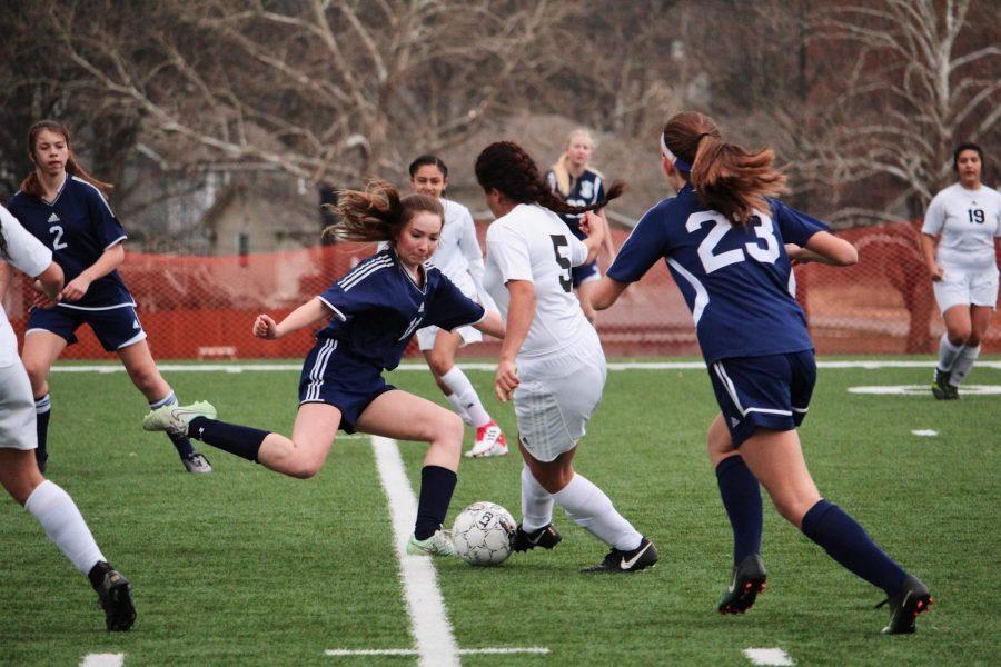 Naomi Oliva steals ball from BVN.