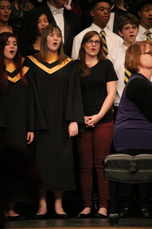 Freshman Karah Braxdale and her sister Alumni Kristen Kinser sing Christmas Time is Here